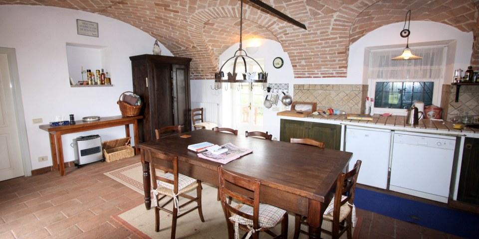 Exquisites, kleines Weingut mit Landhaus und Pool von Piemont ...